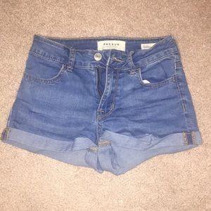 Comfy stretchy blue jean shorts
